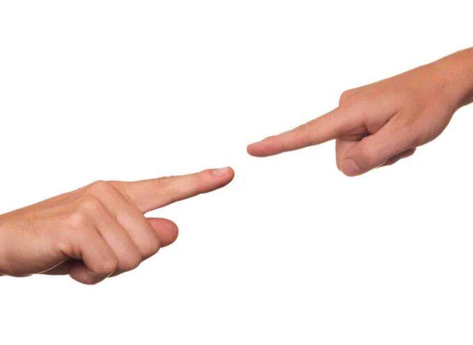 Rozważamy argumenty za i przeciw