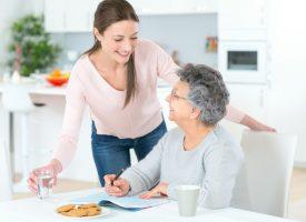 Jak znaleźć odpowiednią opiekunkę osób starszych? Jak znaleźć odpowiednią opiekunkę osób starszych?