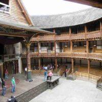 Dwa teatry antyczny i szekspirowski