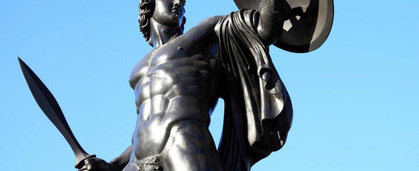 Opisz cechy eposu homeryckiego na podstawie Iliady