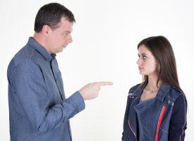 Uczeń pełnoletni nie zgadza się na udzielanie rodzicom informacji o nauce
