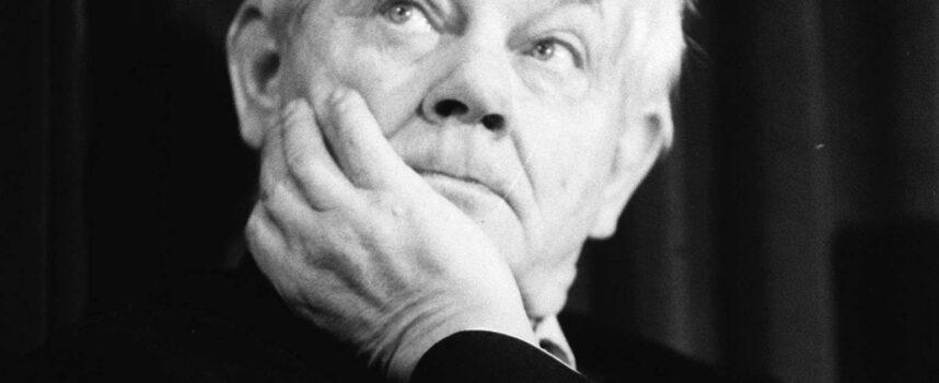 Zinterpretuj wiersz Zbigniewa Herberta Głos wewnętrzny, zwracając uwagę także na kompozycję utworu.