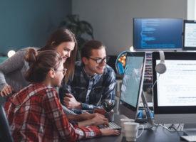 Jak wybrać dostawcę sprzętu IT dla firmy?