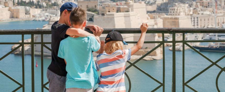 Morze, plaża i zabytki. Co jeszcze Malta może zaoferować twojemu dziecku?