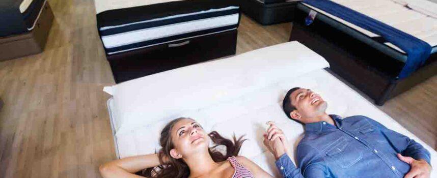 Jak wybrać duży i przestronny materac dla dwóch osób?