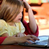Kiedy dzieci powinny zacząć naukę języka obcego?